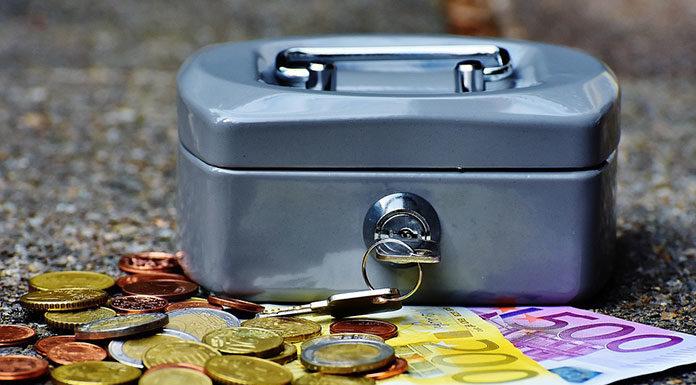 Posiadanie kasy fiskalnej przy sprzedaży internetowej - wymóg czy konieczność